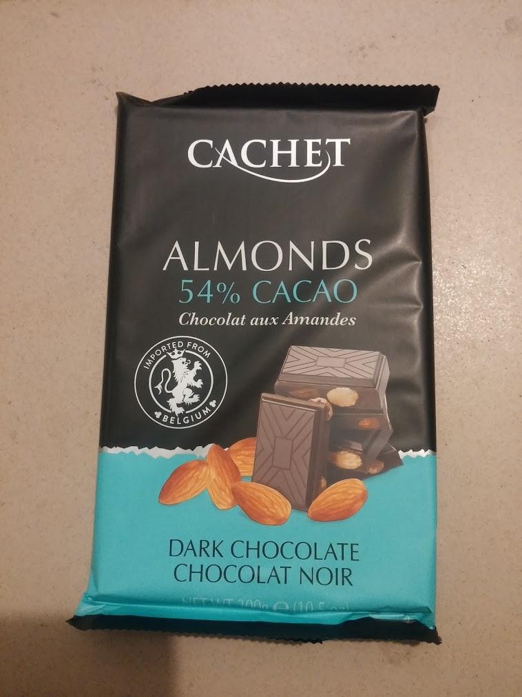 Cachet 54% almond (с миндалём)